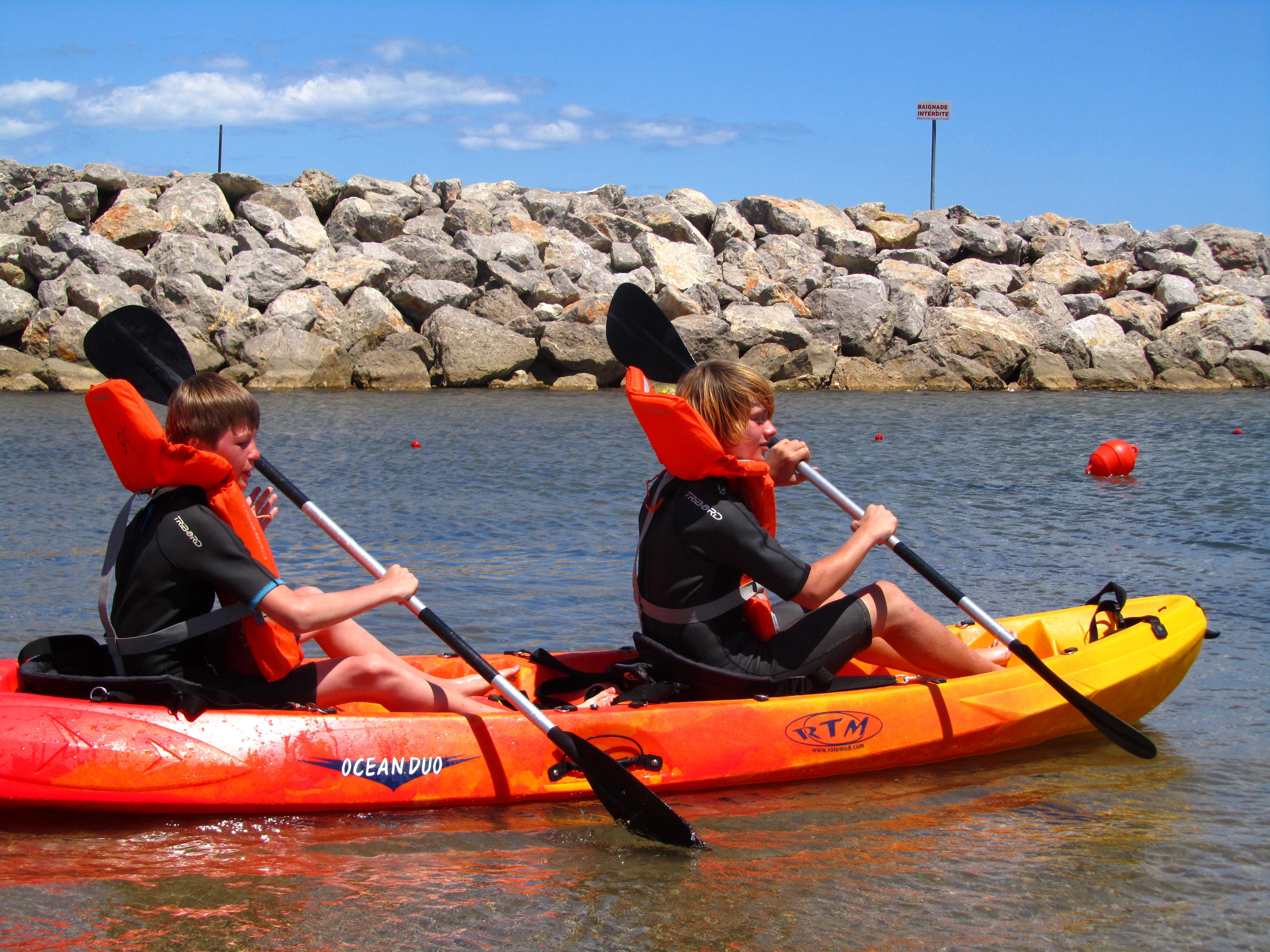 Kayak de mer en location pole nautique gruissan - Kayak de mer 2 places ...